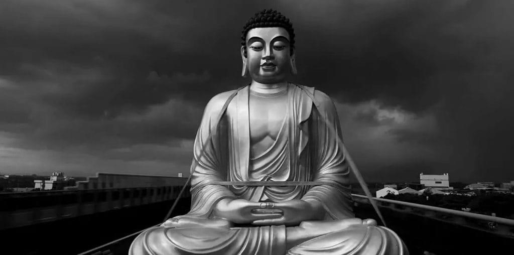 The Great Buddha + image
